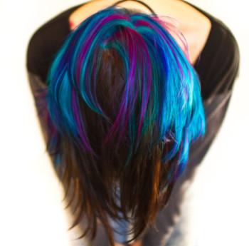 couleur cheveux courts femme